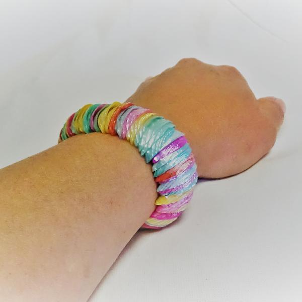 Multi Färgad Pärlemor Armband