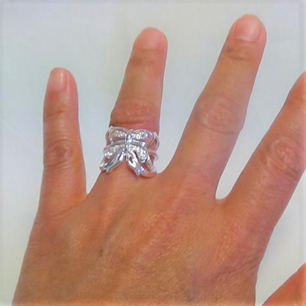 Justerbara silver fjäril motiv ring