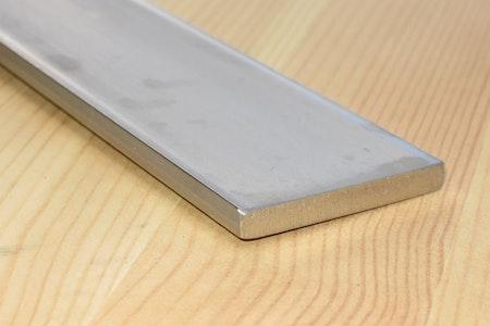 ROSTFRITT PLATTSTÅNG 50*5mm EN1.4301 - SS2333