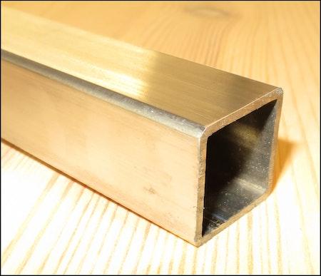ROSTFRITT FYRKANTSRÖR / PROFILRÖR SLIPADE K240 20*20*1.5mm EN 1.4301