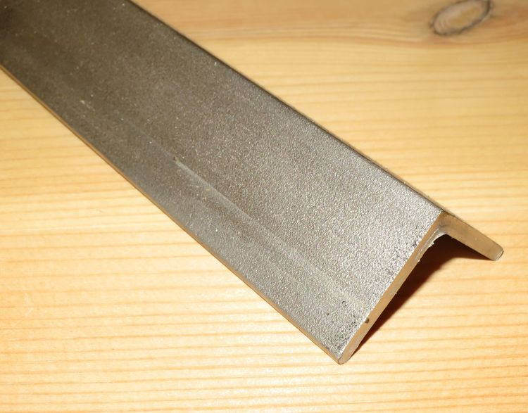 ROSTFRITT VINKELPROFIL 20*20*3mm EN1.4301 - SS2333