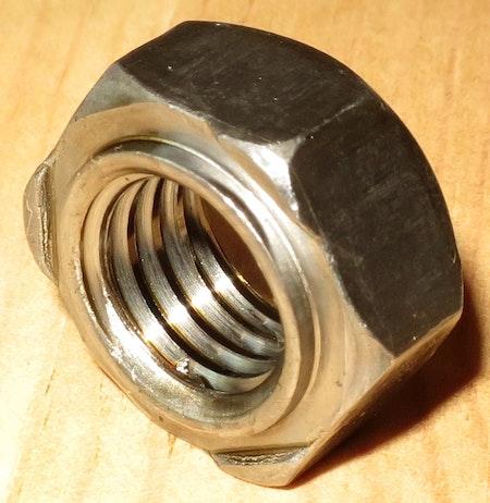 SVETSMUTTER ROSTFRI M8 A4 25st