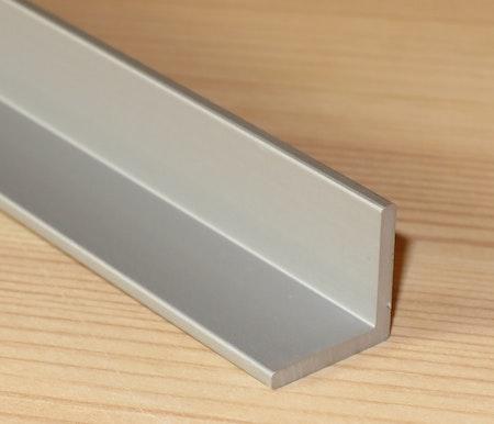ALUMINIUM VINKELPROFIL 15*15*2mm ANODISERAD EN AW-6060-T6