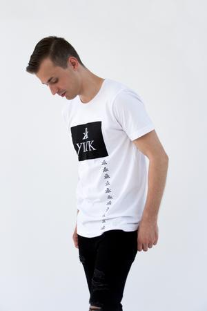 YLYK - Logo T-shirt - vit