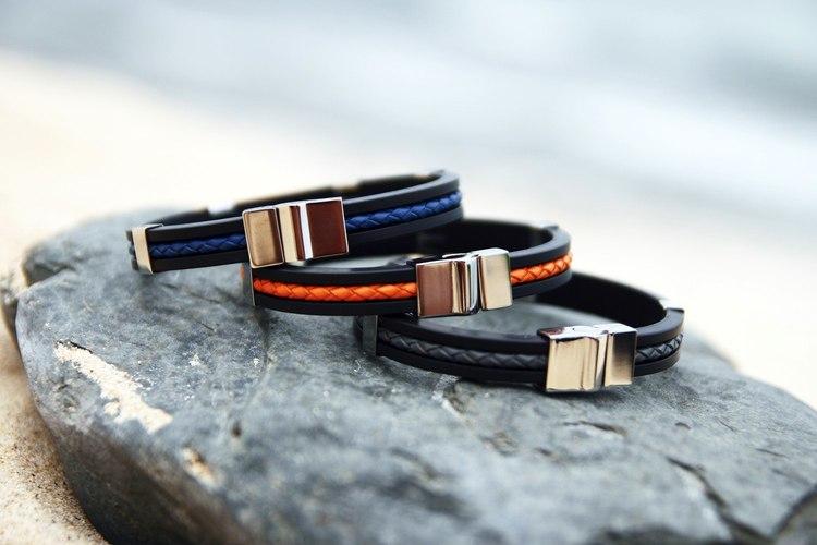 svart gummi, läder och stål armband so sweden
