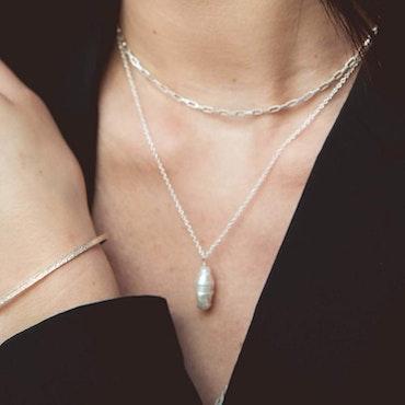 ANITA JUNE | Halsband | Drop Pearl - Silver