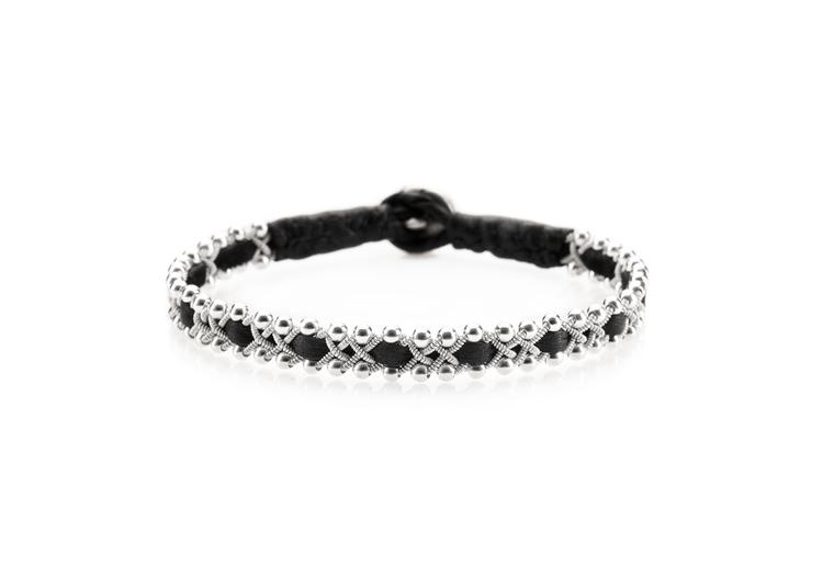 svart tennarmband med silverpärlor nordic jewelry design