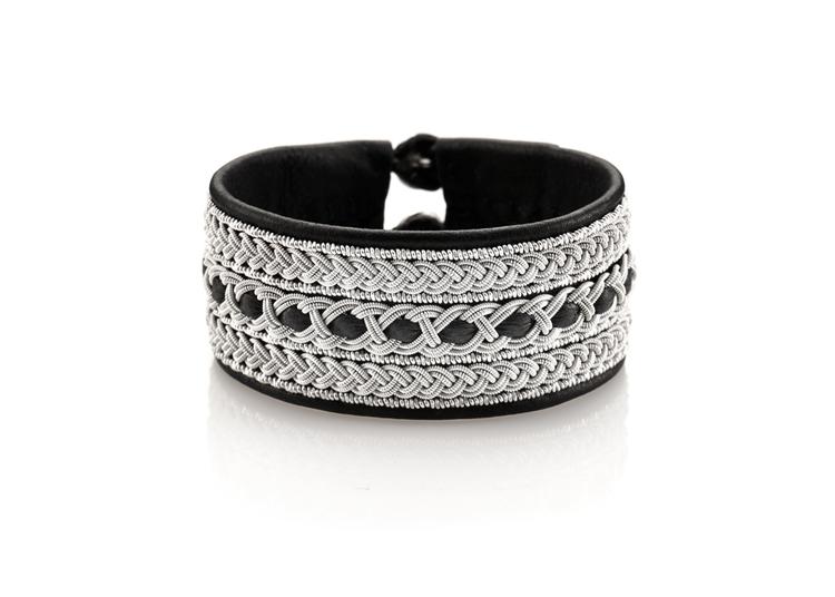 kraftigt tennarmband med 3 meter tenntråd nordic jewelry design