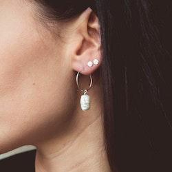 ANITA JUNE | Örhängen | Drop Hoop Pearl - Silver