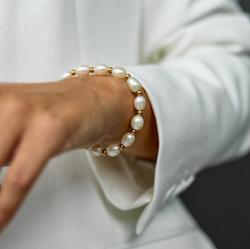 BUD TO ROSE   Armband   Pearl Elastic Gold
