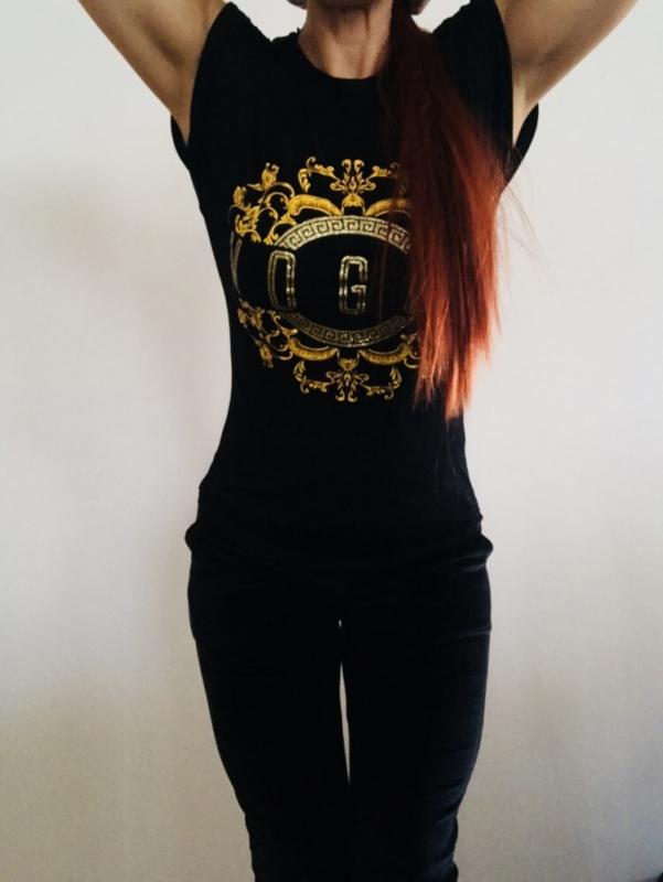 All black & gold babe!