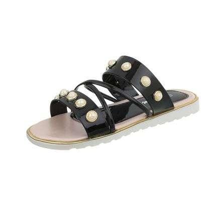 Show off sandals