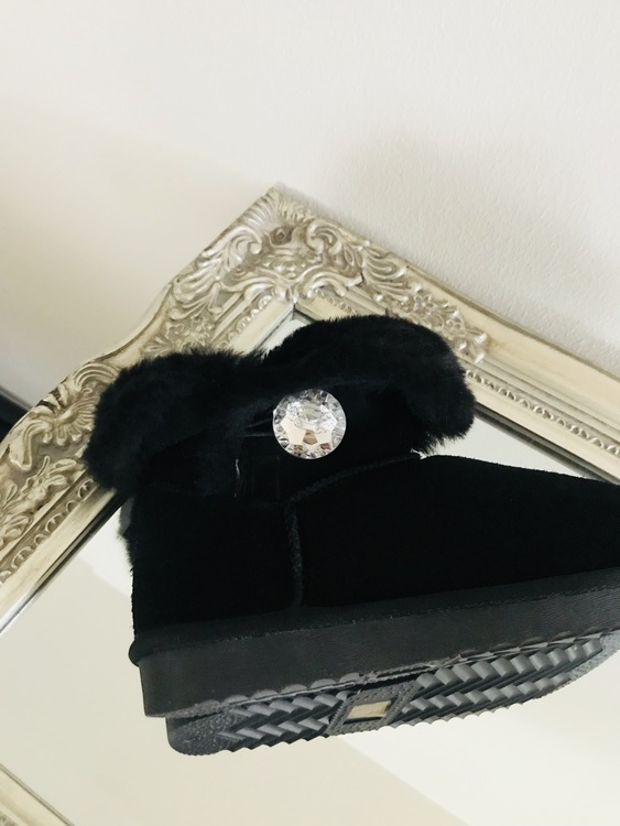 Big diamond fluffy faux fur boot