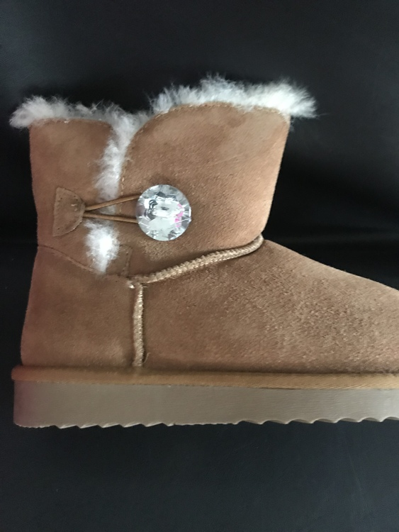 Camel big diamond fluffy faux fur boot