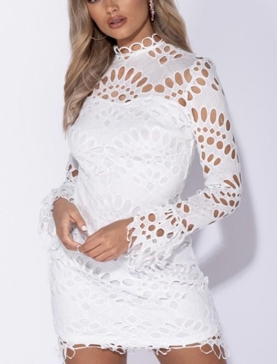 Hanna the white dress.