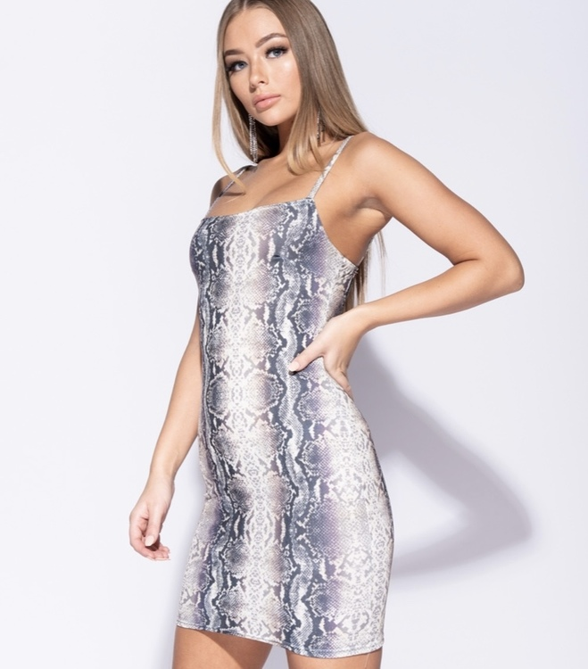 Perfect fit snakebeat dress