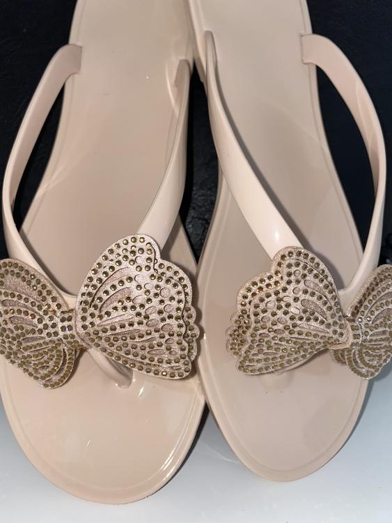 Creme beige butterfly sandal