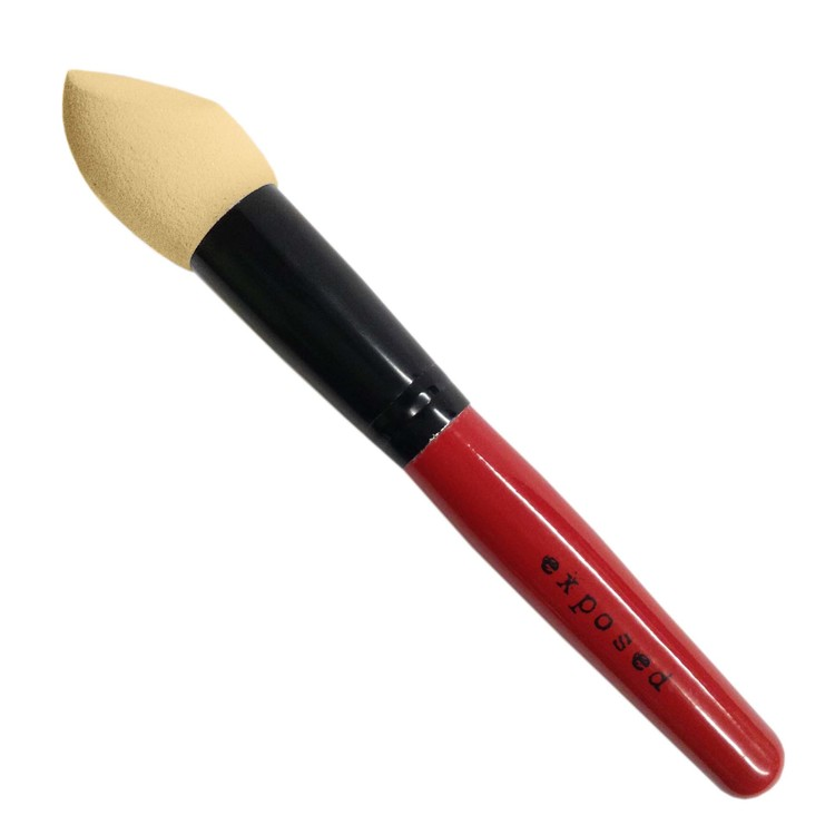 3 D FOUNDATION APPLICATOR BY PROFFESIONAL MAKE UP