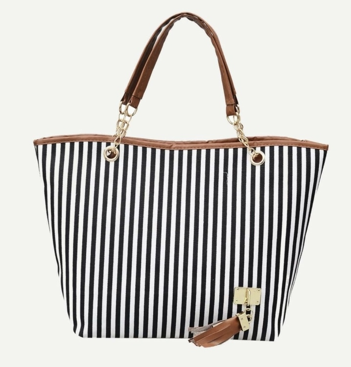 Fashionista striped shopper