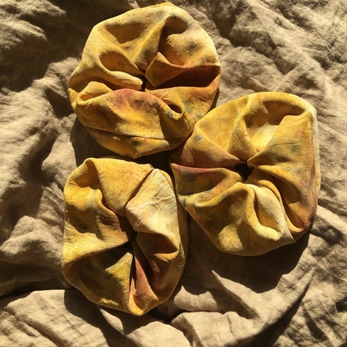 SILK SCRUNCHIE SUNKISSED