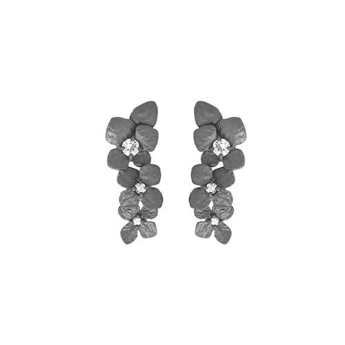 Örhängen i brons med safirer