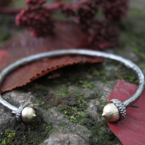 Gold acorn Bracelet, bronze