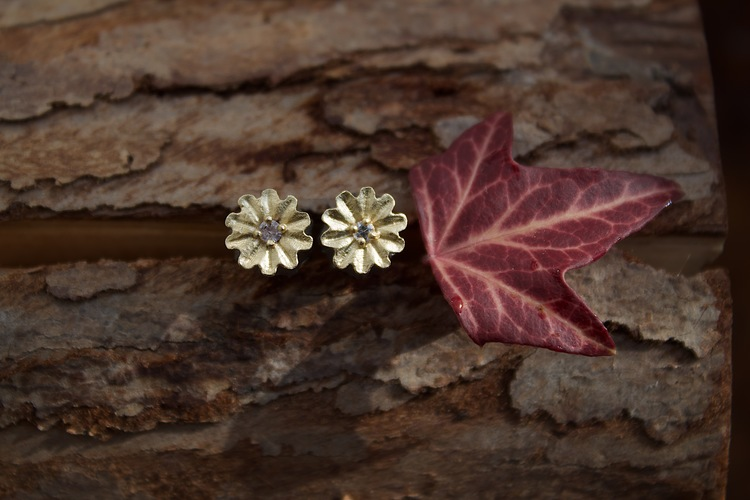 Poppy Stud Earrings, Bronze