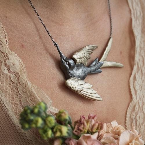 Fluttering Swallow Halsband, brons/guld