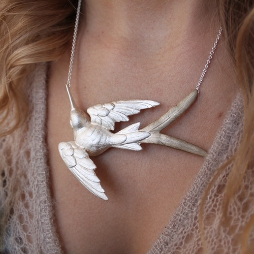 Fluttering Svallow Necklace, silver