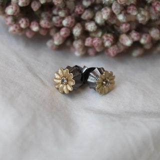 Poppy Stud Earrings, Bronze