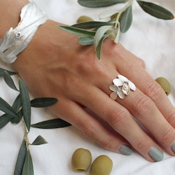 Thassos Olive Ring - Silver