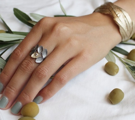 Thassos Olive Ring - Bronze