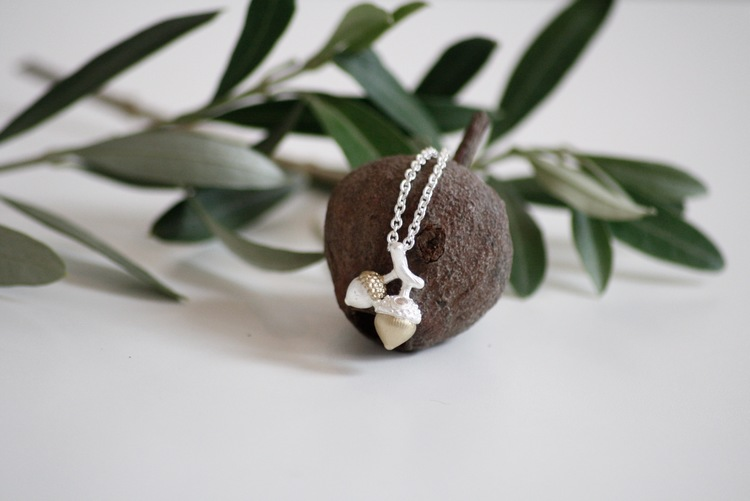 acorn necklace new- Silver