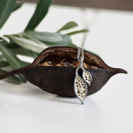 Seed necklace - Bronze