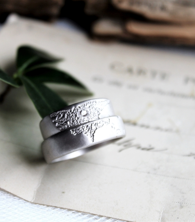 Misty Forest Mens World Ring- Silver