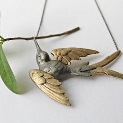 Fluttering Svallow Necklace, bronze / gold