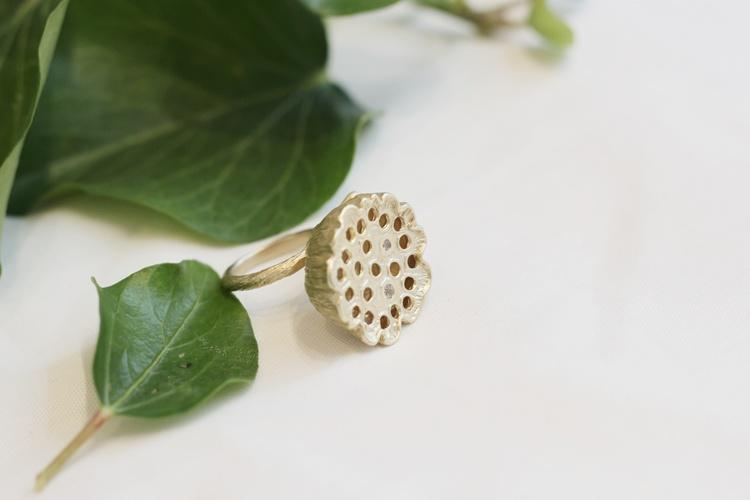 Lotus Ring, bronze/gold