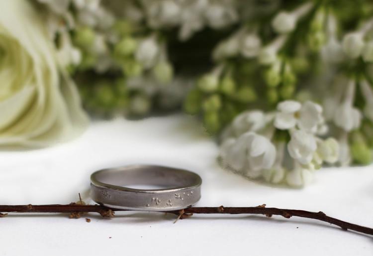 Misty Forest Henry Mens Ring - Gold