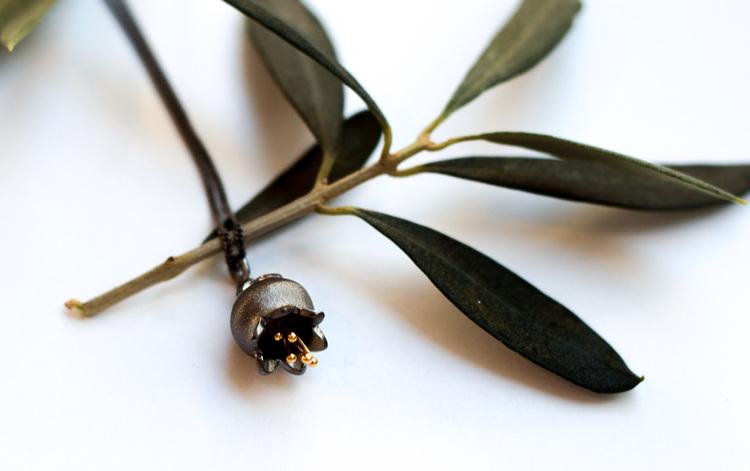 Liljekonvalj Halsband - Oxiderat Silver