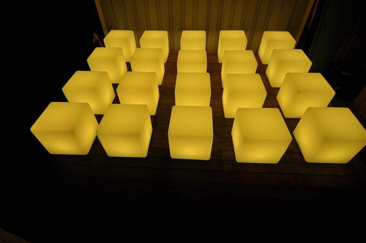 LED kuber / Pallar 40 x 40 cm - RGB LED fjärrkontroll