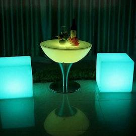 LED Lounge Set - 4 kuber + bord