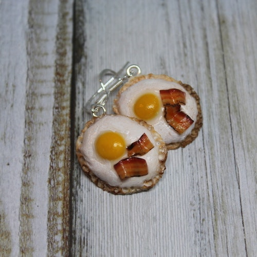 Örhängen, ägg och bacon