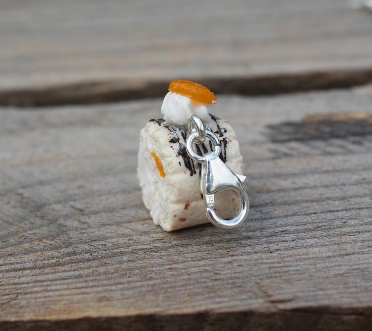 Halsbandshänge, budapestbakelse med mandariner