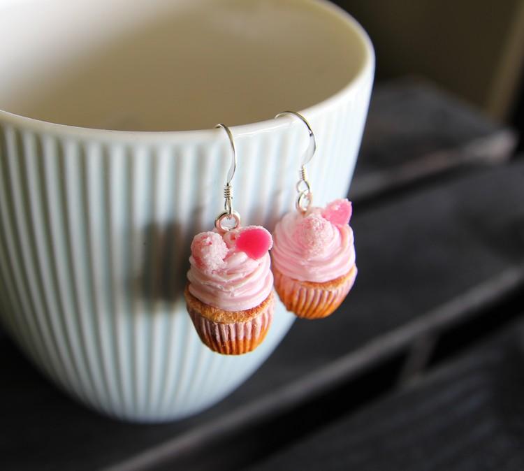 Örhängen, cupcakes med gelehallon