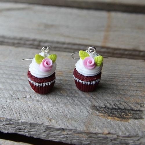 Örhängen, red velvet cupcakes