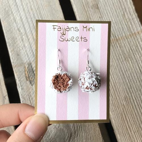Örhängen, chokladbollar med kokos