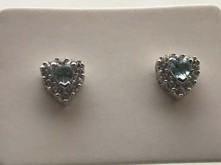 Hjärtan av silver med akvamarin
