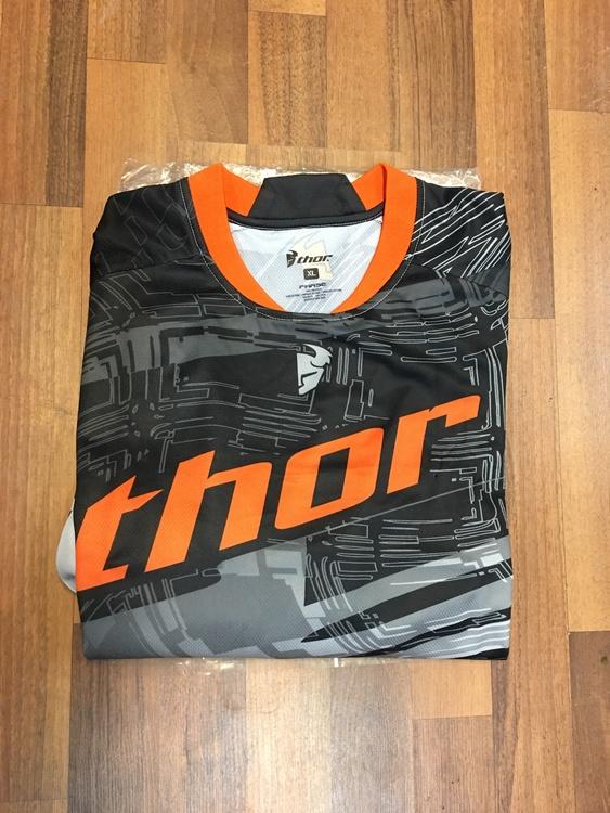 Thor tröjor XL