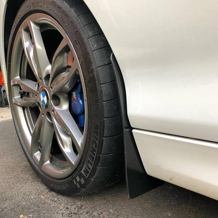 BMW M140i Stänkskydd