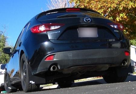 Mazda 3 stänklappar som tillbehör
